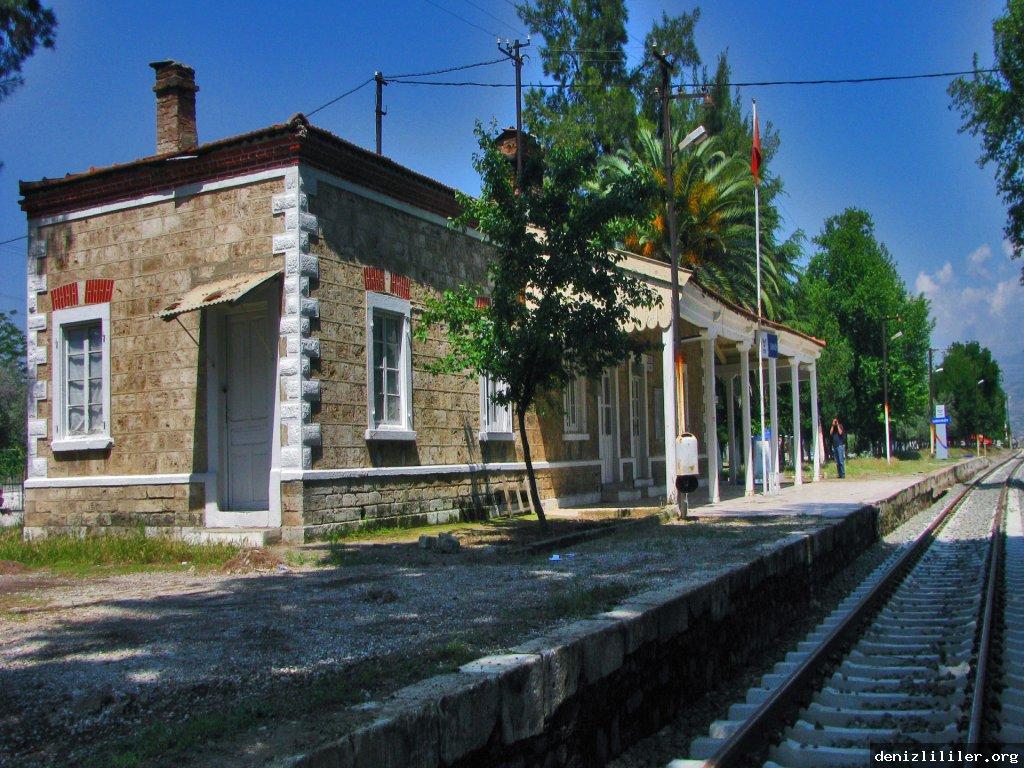 Sarayköy tren istasyonu