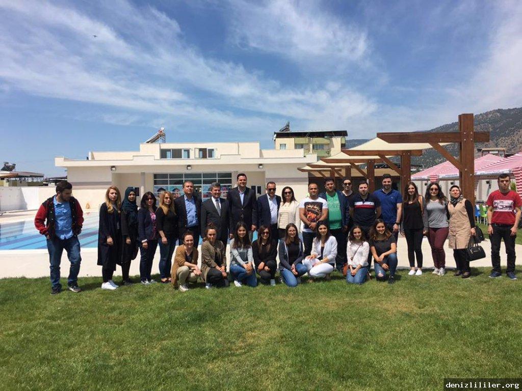 Buharkent Belediye Başkanı Mehmet Erol Denizlili gençleri ağırladı