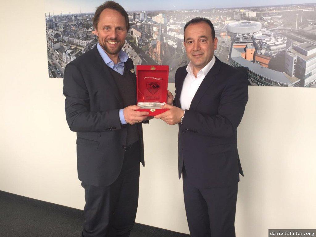 Avrupa Denizlililer Derneği Başkanı Ali İnceören Leverkusen Belediye Başkanı Uwe Richrath'ı makamında ziyaret ettiler